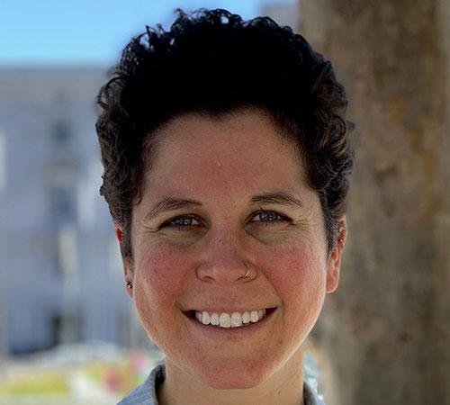 Headshot of Clesi Bennett